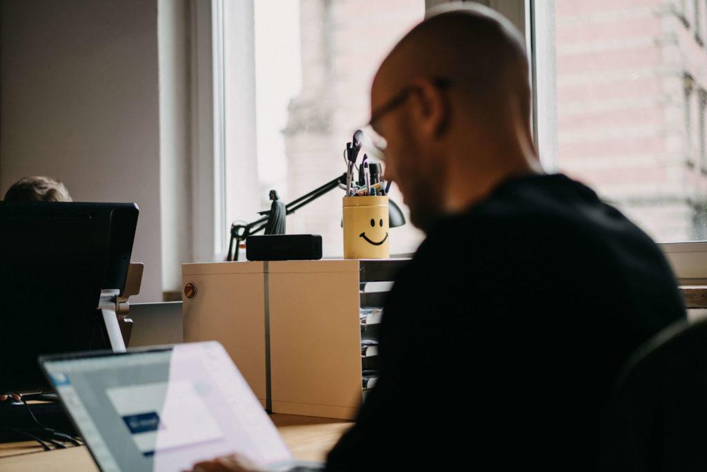 Florian Carevic & Smiling Mug